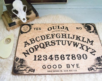 Ouija Board | Mystifying Oracle | William Flud Talking Board Set | Parker Brothers | Novelty Games | No. 600 1972
