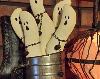 Halloween Ghosts,Primitive Halloween Ghost ,Halloween Ghosts Bowl Fillers, Ghosts Shelf Tuck, Halloween Ornies, Halloween Sifter Tucks
