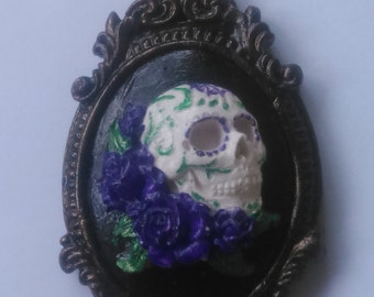 Skull and flowers framed cameo pendant and necklace