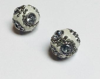 White Embellagio Beads - 2 Pieces - #131