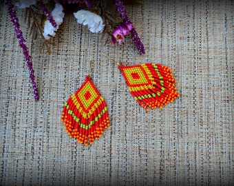 Red Yellow Green Fringe Earrings,Beaded Fringe Earrings,Native Indian Earrings,Seed Bead Earrings,colorful Earrings,Gift for her,Nickel free