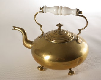 B074 Victorian Brass Footed Scottish Hot Toddy, Tea Kettle, Tea Pot