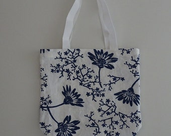 Tote bag: Marguerite in Marine Blue on White