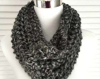 Bulky Gray-White Knitted Infinity Cowl Scarf
