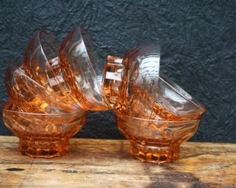 art deco, rose pressed glass, 7 glasses or dishes, far the depression rose, pink depression glass, 7 7 verres, glasses, France, 1930.