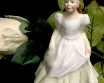 Lovely Royal Doulton Porcelain Figurine 'Kerry' HN3036 1985