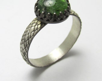 Chrome Diopside cabochon Oxidized Black Sterling Silver Dragon Scale ring 2.42cts Size 8 1/2