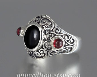SOGDIANA silver ring with Onyx and Garnet