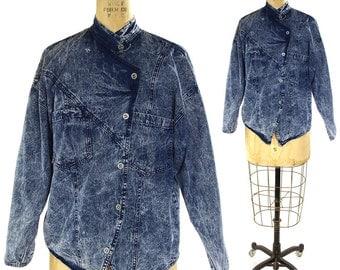 80s Acid Wash Denim Shirt / Vintage 1980s Asymmetrical Bleach Wash Jeans Top / Lightweight Stone Wash Chambray Button Up Blouse / S M L