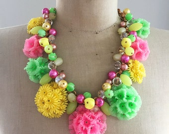 1950's Vintage Repurposed Flower Jewelry Nevklace OOAK