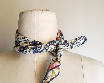 Sweet Vintage 60s 70s Floral Mod Small Scarf Necktie
