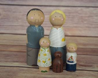 Custom Peg Doll Family of Five // personalized peg dolls // custom family portrait // heirloom gifts