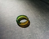 Autumn forest - dreamy green yellow color agate stone ring Size 8. Spiritual, zen, yoga band ring