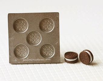 Dollhouse Miniature Chocolate and Cream Cookie Mold
