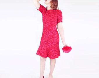 SALE 50s Anne Fogarty Red Flowered Irish Linen Trumpet Hem Sheath Dress S