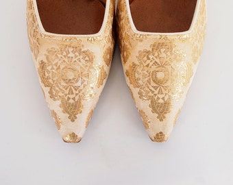 60s Elegant Gold Brocade Pumps Shoes by Life Stride US Sz 6 1/2 B