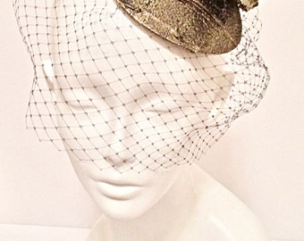 D A I N T Y  Gold Bow Hat