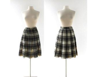 Vintage Pendleton Skirt / Turnabout Reversible Skirt / 1950s Skirt / Wool Plaid Skirt / 26W XS