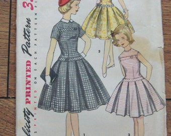 vintage 50s simplicity pattern 1496 girls dress with detachable collar sz 8 pleats
