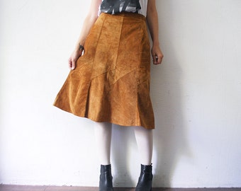 70s leather skirt. sienna suede skirt. flared knee length skirt - small