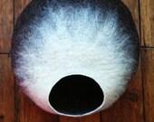 Cat Cave/ cat bed- handmade felt- The Mocatccino - S,M,L, Xl + free felted balls