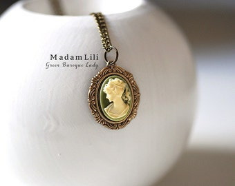 Baroque Lady Necklace in Vintage Style