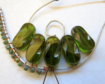 NEW OLIVINE REX . Czech Picasso Glass Beads . 19 mm  (4 beads)