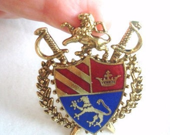 Lion Crown Flag Crest Vintage Jewelry Brooch Gold Tone