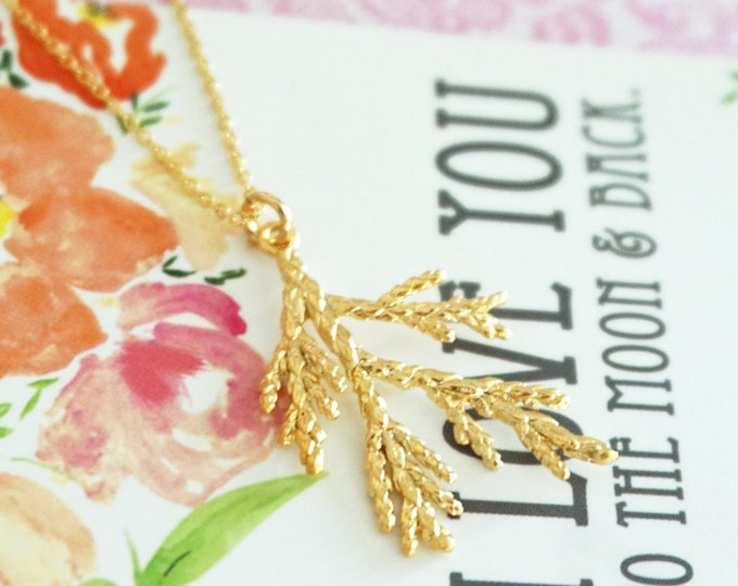 Golden Pine Tree Leaf Needle Necklace / golden gift nature inspired, garden wedding, bridesmaid everyday dainty leaf necklace