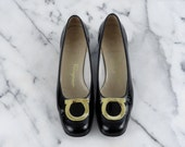 Salvatore Ferragamo Black Patent Leather Heels Low Pumps Chunky Heel Boutique Gancini Gold Size 5.5 B