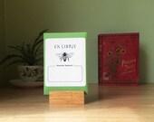 Honey bee book plates. Ex Libris honeybee bookplate stickers, set of 17 plus envelope. Custom printing option. Gift for book lovers.