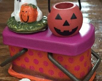 Miniature Pumpkin Basket, Wood and Metal Painted Jack O Lantern Trick or Treat Bucket, Dollhouse Accessory, Halloween Decor, Crafts