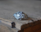 Art Deco platinum twin diamond filigree engagement ring ∙ 1930s Art Deco filigree matched diamond ring