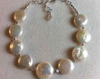 Luminous Fresh Water Pearls and Swarovski crystal bracelet
