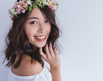 blossom and leaf bridal wedding flower hair wreath // Fleur - cream & creamy pink / rose berry greenery nature floral headpiece flower crown