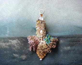 honey - a lucky charm crochet pendant with semi precious stones