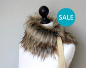 SALE Faux fur collar in beige and black. Beige black faux fur neck warmer. Womens faux fur collar with beige ribbon.