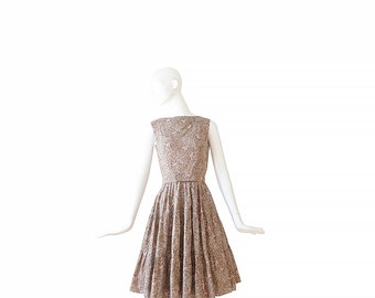 50s Floral Day Dress • 1950s Brown Dress •  Novelty print  XS / S Small