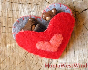 Made to Order Valentine Bear Friends Playset, Waldorf Valentine Doll, Heart Pouch, Small Peg Doll, red, gray, peach, wool, wood, eco toy
