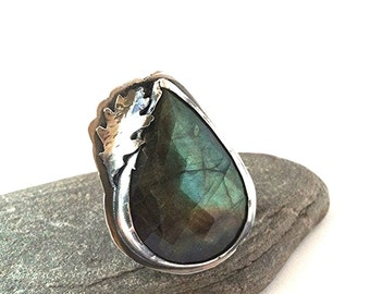Labradorite and Sterling Silver Ring with Fox - size 8.5 - The Lovely Woods