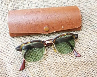 Vintage Sunglasses, Vintage Sunnies with Case, Prescription   - B