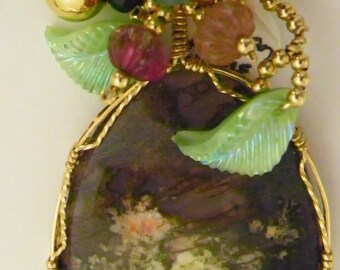 Oregon Pridy Ranch Plume Cab Pendant wired In Gold and Tourmaline Beads