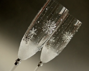 Snowflakes, Winter Wedding Glasses, Champagne Glasses, Toasting Flutes, Wedding Champagne Flutes, set of 2