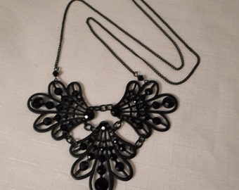 DOWNTON ABBEY NECKALCE / Pendant / Choker / Black / Art Nouveau / Victorian / Tudor / Steampunk / Goth / Fashionista / Accessory / Retro