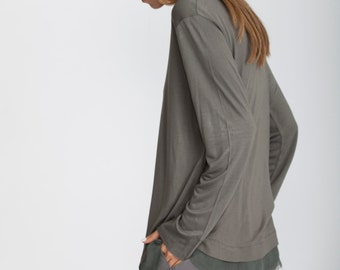 Green t shirt, long sleeve t shirt, winter tunic, scoop neck, Minimalist top, long t shirt, loose fit tunic, chiffon