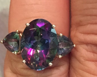Large 14k Solid GOLD  Mystic Topaz  14 k kt  Gemstone Purple Green 4.2 grams RING  Large Size 7.5