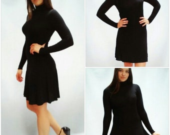 black minimalisr dress / turtleneck / dress //Black Bodysuit // vintage 70s black bodysuit // xs / s