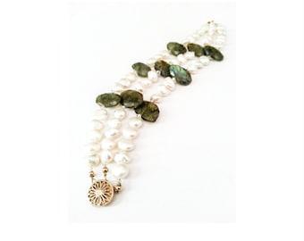 Pearl Bracelet, Gold Pearl Bracelet, Gold Pearl Labradorite Bracelet, Gold Labradorite Bracelet, Pearl Labradorite Bracelet