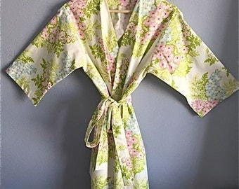 READY to SHIP Small Kimono Robe. Kimono. Robe. Dressing Gown. Spa Robe.  Knee Length.