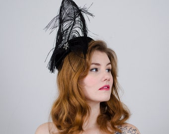 1950s vintage hat / black feather cocktail hat / Robin of New York